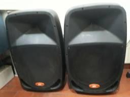 Caixas de som amplificadas