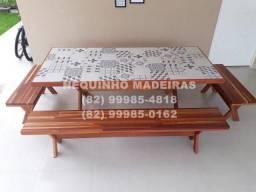 Mesa jatobá com tampo em cerâmica