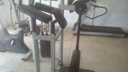 Academia Musculação vendo aparelhos usados e seminovos