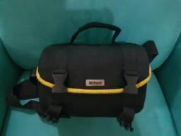 Nikon D3000 + lente 18-55 + acessorios