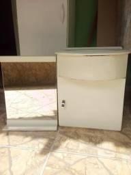 Espelho e Gabinete de Banheiro