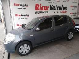 Renault - SANDERO - 2010/2011 - R$ 21.900,00 - 2010