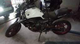Moto P/ Retiradas De Peças/sucatas Yamaha Xj6 N Ano 2017 Abs