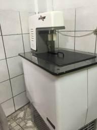 Máquinas para fabricação de sorvete e picolé