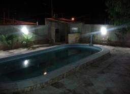 Casa muriu temporada com piscina ar split