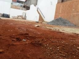 O melhor lote do Residencial Carpe Diem, murado, com fundação e projeto aprovado