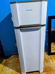 Geladeira/refrigerador Esmaltec 2 portas Cycle Defrost RCD34 276L branco