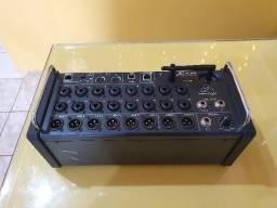 Console Mixer Digital Portatil 18 Canais Behringer Xr18 Xair
