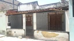 Vendo uma casa localizada no bairro Nelson Costa