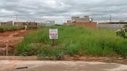 Terreno com 150m² no Residencial Souza Queiroz em Cosmópolis-SP. (TE0085)