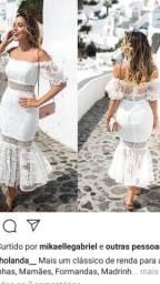 Vestido de renda trabalhada para noivinhas