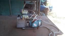 Vendo duas unidades hidráulicas para alinhador de bobinas