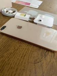 IPhone 8 Plus gold na caixa