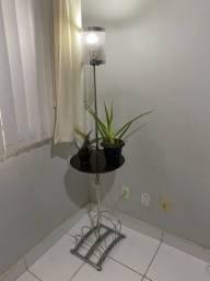 Luminária com revisteiro usada
