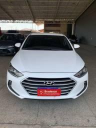 Hyundai Elantra 2017 top