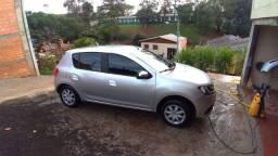 Renault Sandero seminovo em perfeito estado