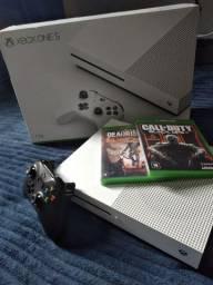 Xbox One s 1TB muito conservado