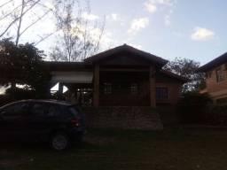 Oportunidade - Casa à venda no Condomínio Chateau Paraíso (Cód.: api47r)