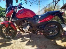 Motocicleta CB 300R