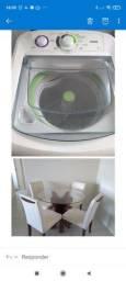Mesa com 4 cadeiras tampa de vidro e máquina de lavar