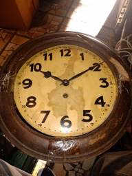 Relógio de parede Junghans