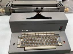 Máquina de datilografar Olivetti