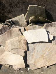 Pedras naturais - comprada na Leroy Merlin