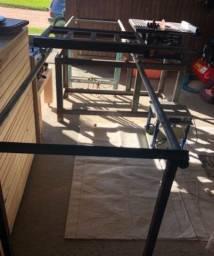 Mesa com carrinho para serra de bancada skill
