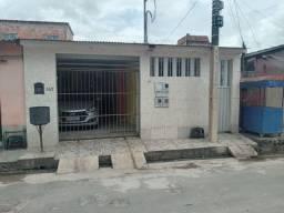 Linda casa imobiliada no Amazonino Mendes 2.