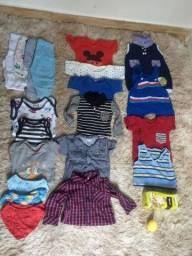 Lotinho de roupas de meninos de 0 a 4 meses