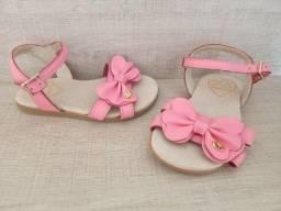 Oportunidade 03 pares de sandálias infantis!