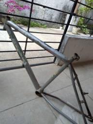 Quadro bike aro 26 com avaria