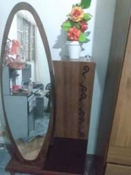 Penteadeira com espelho
