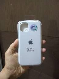 Vendo capinha iPhone 11 novinhas