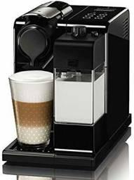 Máquina de café nespresso lattissima touch semi nova