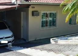 Terreno com 2 casas de 2 quartos no bairro em Camboriú