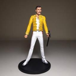 Boneco de resina Freddie Mercury (Queen)