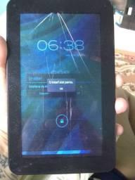 Tablet CCE trincado