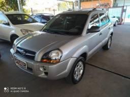 Hyundai Tucson 2.0 MPFI GL 16V 143CV 2WD GASOLINA 4P AUTOMÁTICO