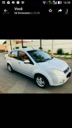 Fiesta Sedan 2010 1.0 - 2010