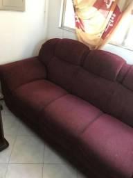 Sofá de 3 lugares na nota ta por 705 reais tô pedindo 450 reais pra vender logo