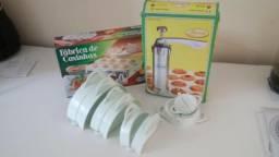 KIT -maquina de biscoito, fabrica de coxinha e forminhas de risolis/salgados