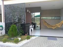 Alugo casa 3/4 condomínio Tropical Ville