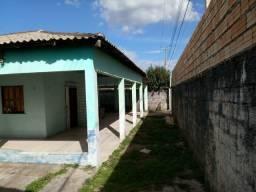 Vende-se casa de esquina em Pacaraima-RR