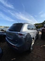 Sucata para retirada de peças- Mitsubishi Outlander