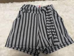 Shorts branco e preto