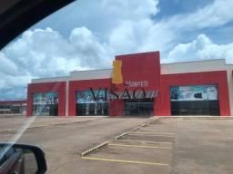 Alugo ponto comercial em Humaitá, único na Cidade com amplo estacionamento.