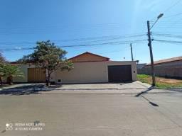 Casa 4 quartos, 2 suítes no Residencial Jardim Canedo