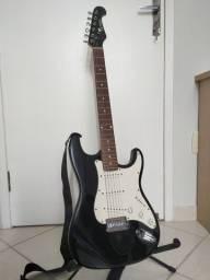 Guitarra Eagle completa pouquíssimo uso