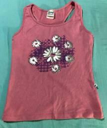 Camiseta de malha feminina canelada com estampa de flor
